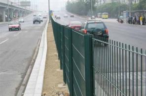 护栏网三种不同产品的防腐性能效果